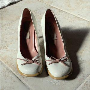 [Very Volatile] Babydoll white ballerina pumps